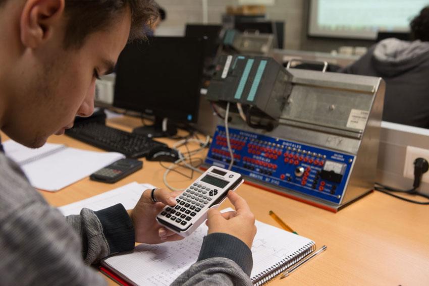 Cenifer Centro de Referencia Nacional-Energias Renovables alumnos.